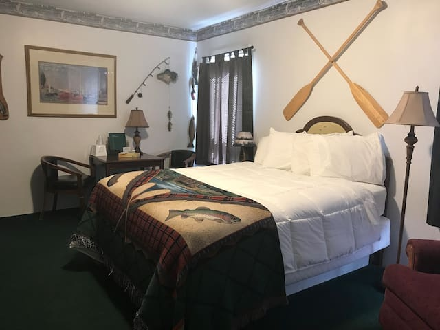 Fisherman's Delight suite at Park Motel