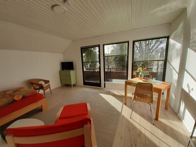 Freundlich-helles Privatzimmer mit eigenem Eingang
