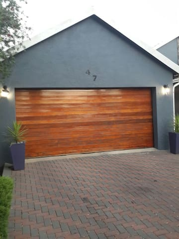 Home away from home. - Roodepoort - Dom