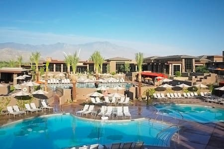 Westin Desert Willow Villa Resort for Coachella - 팜데저트 - 리조트 이용권
