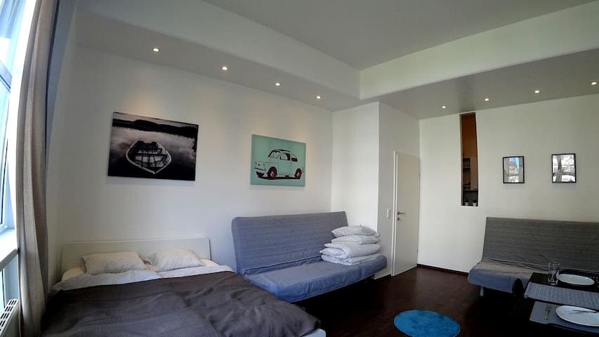 Bright New Innsbruck City Apartment, 6 persons