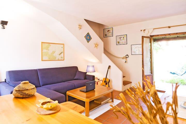 Centertown apartment w loan garden - San Teodoro - Flat