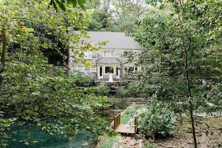 Rockford Grange Cottage