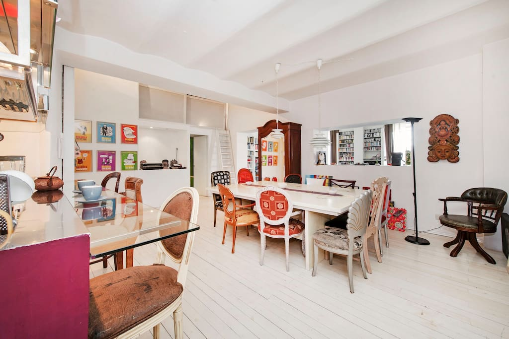 Great holidays artist loft rental loft in affitto a roma for Loft roma affitto