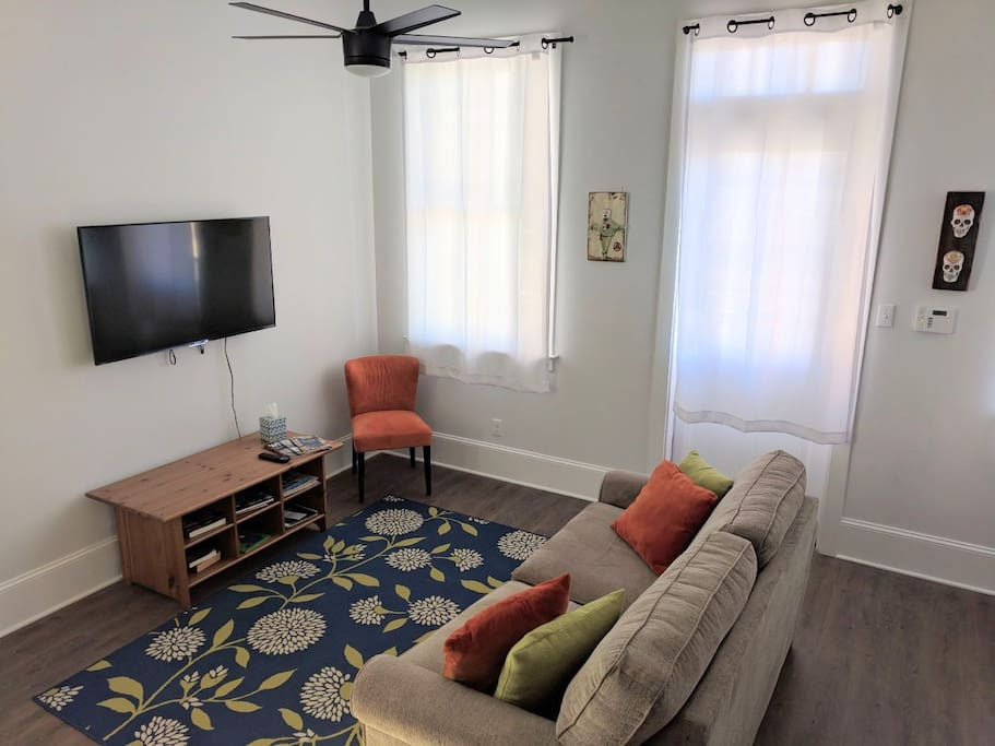 Brand New 1 Bedroom Private Condo Private Porch Condominiums For Rent In New Orleans