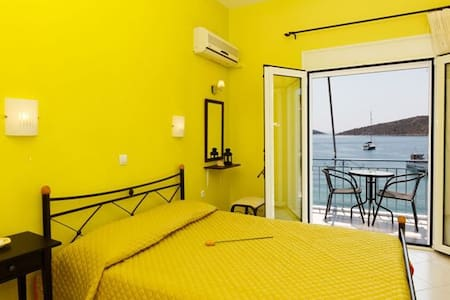 Holiday Apartment in the sea - Vivari - Apartament