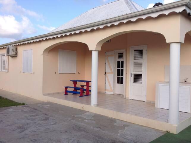 Villa 6-8 pers, calme, confortable, 10 min plage - Les Mangles - Villa