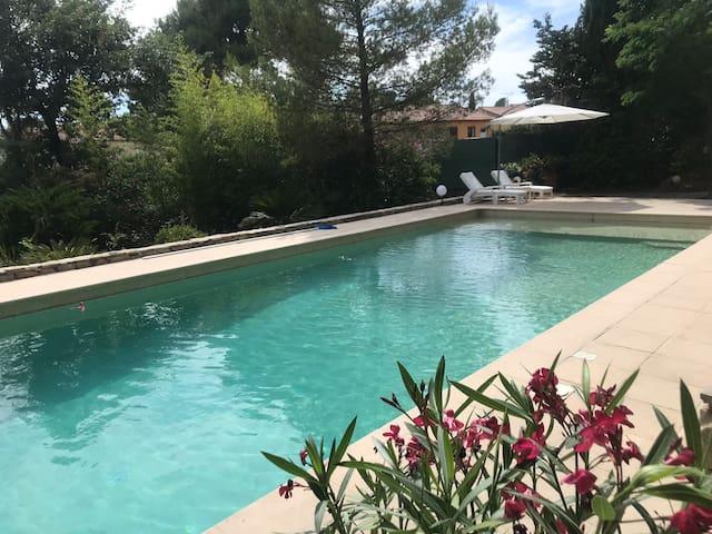 Agréable studio dans Mas Provençal