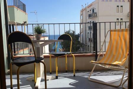 Yellow Flat vista mare Taormina - Letojanni