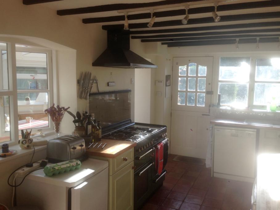 Farmhouse kitchen with Rangemaster aga