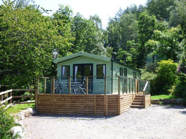 Secluded caravan in woodland setting. Pet friendly.