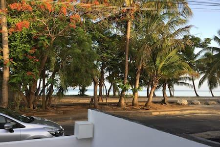 Chambre les pieds dans l'eau - Port-Louis