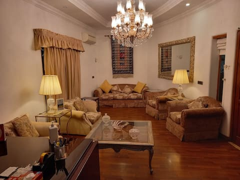 Relaxed Rooms in Islamabad's Best Neighborhood