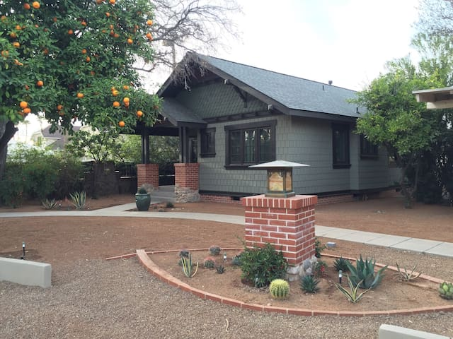 Historic Craftsman in Downtown/El Presidio