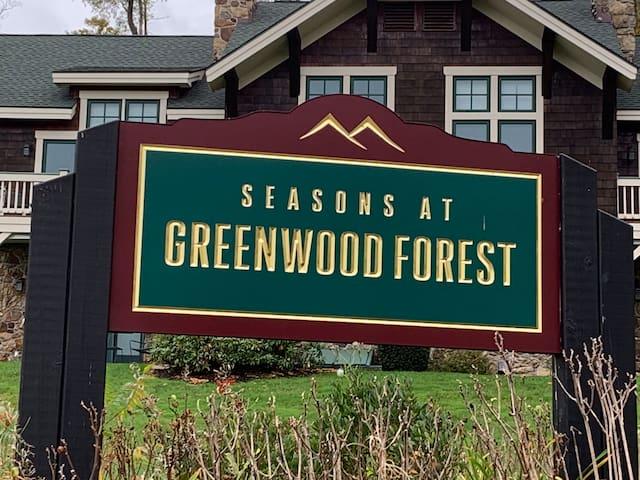 Peek 'n Peak's Greenwood Timeshare - October 2-9