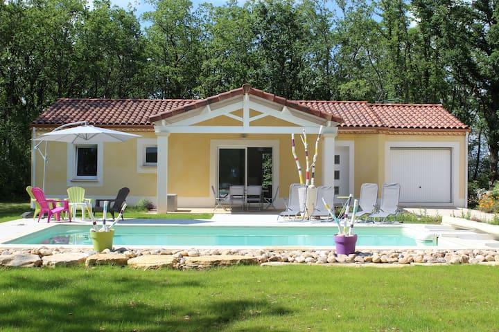 Gite NEUF dans le LOT avec piscine privative - GINDOU - Hus