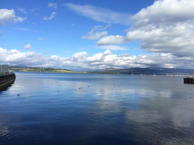 Stunning Waterfront Apartment - Greenock - Leilighet