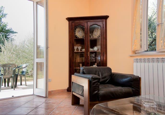 A country house in Umbria €29!!! - Foligno - Ház