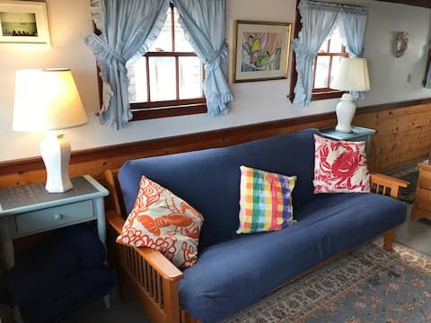 Quaint Oceanfront Cottage in Rockport MA