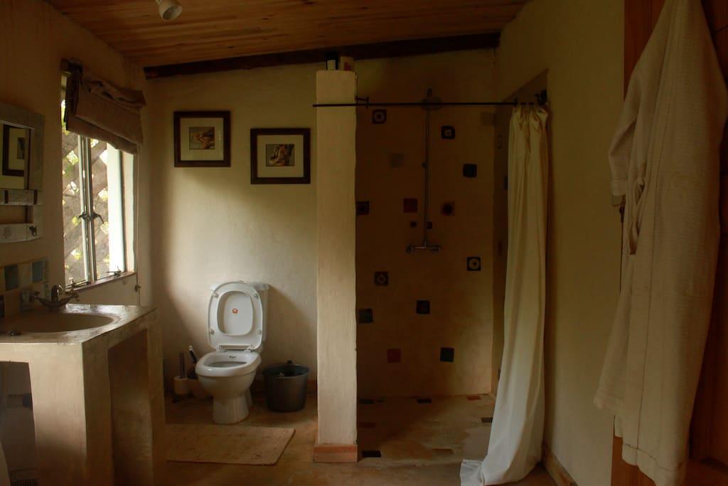 Bathroom 1 with bath