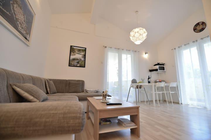 Apartment Krka (4+2)