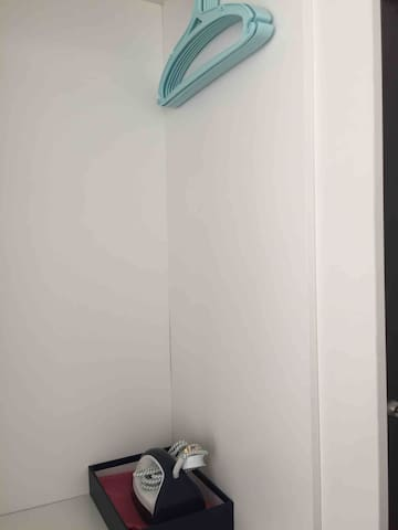 Kenwingston SOHO, Wifi & Netflix , comfy & cosy