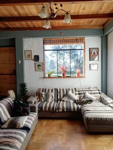 La casa de Teo: confort entre el campo y la ciudad