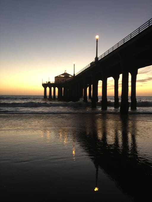 Manhattan Beach Pier, typical sunset.
