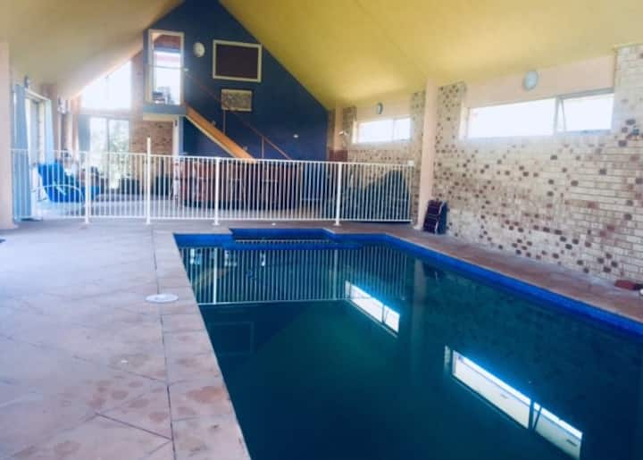 Apartment with Private Indoor Pool & Spa Mt Martha