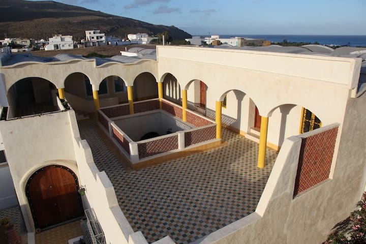 Dar Enesma El Haouaria Tunisie - Al Huwariyah - Bed & Breakfast