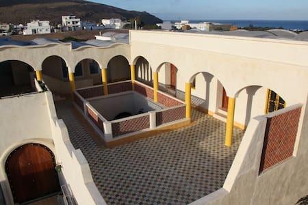 Dar Enesma El Haouaria Tunisie - Al Huwariyah - Penzion (B&B)