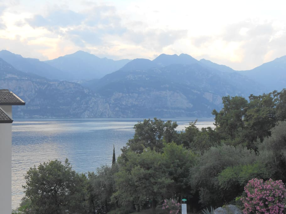 Il tramonto sul lago - The sunset of the Lake
