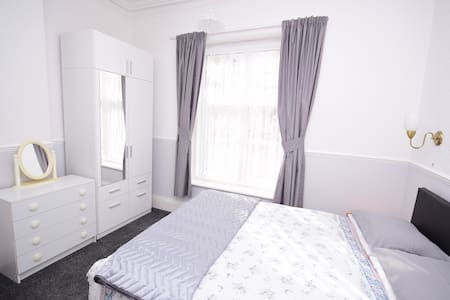 The Chymes  Select Holiday Apartments - Lytham Saint Annes