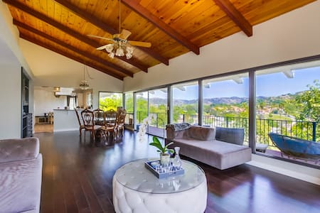 Stunning Mountain Views and Renovated Home - Escondido - Huis
