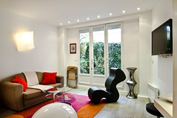 Amazing design flat heart of Paris close to sights