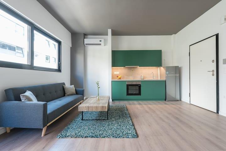 Beton | Industrial Style Votanikos Studio II