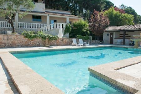 Villa  Piscine  Tennis   Boulodrome - Le Val - Casa