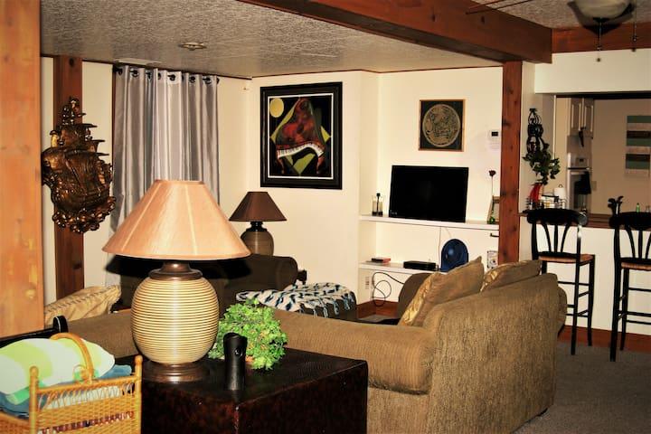 Living Room for 12