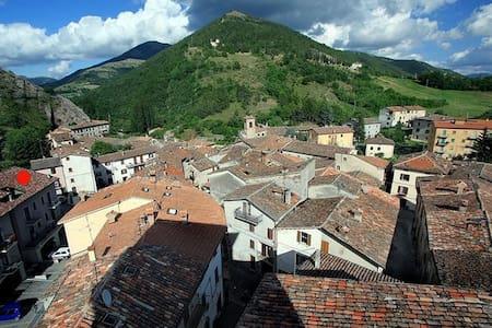 Sunny apartment in Umbria, 80 m2 - Scheggia