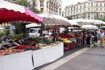 the market.  every day (except Monday) from 7:00 to 13:00 2 minutes from the apartment  Place du Général de Gaulle, 06100 Nice