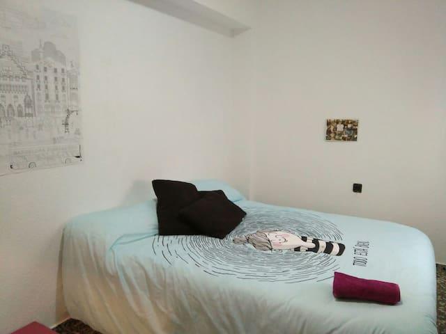 Perfecta habitación cerca de Valencia - Montcada