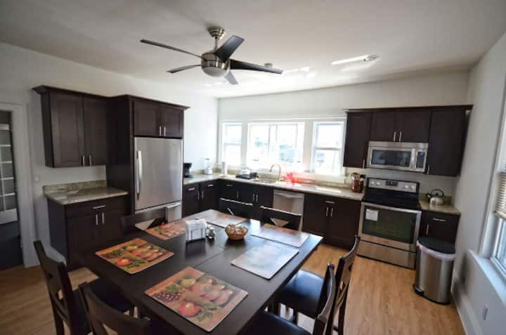 Amazing Greenport Village Apartment in CENTER!