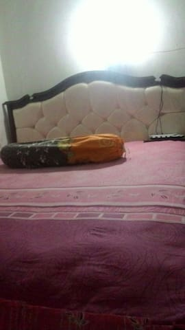 Simple home and room for backpacker - Jember - Tente