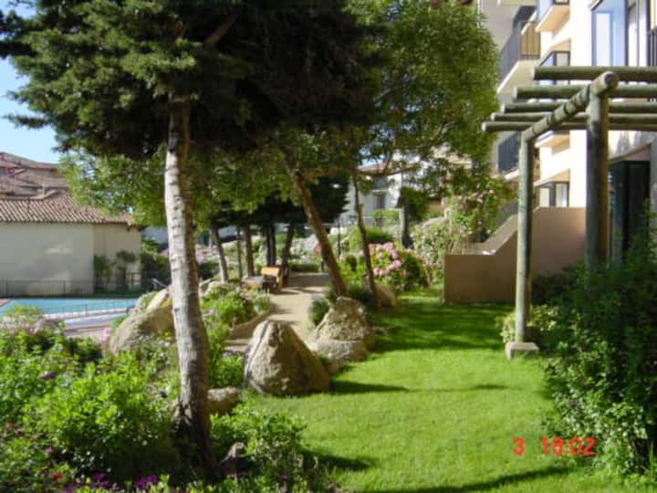 Departamento playa, jardines, quincho, Condominio