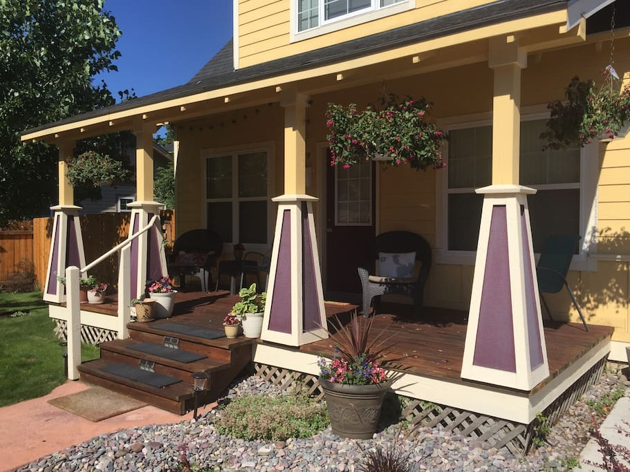 Sunny, spacious & relaxing porch w/ fenced yard and off street parking behind garage. Oversized hammock for two in the backyard.