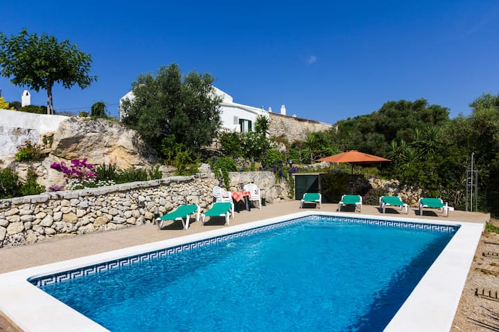 Farmhouse whit pool in Menorca