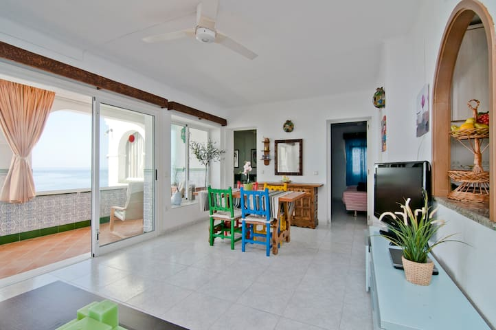 FRONTLINE BEACH-EXCELLENT-BRIGHT - Benalmádena - House