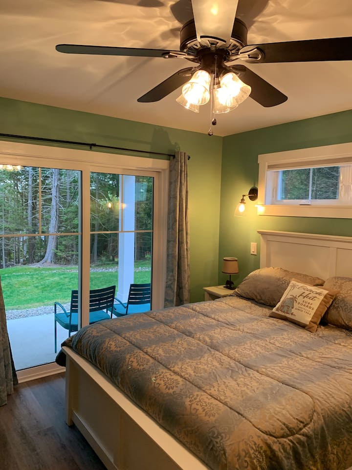 Select Comfort Sleep Number Expanded Queen Bed with partial view of Decker Cove