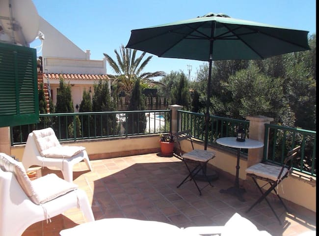 Casa Maarten y Glenn upstairs 1 Bedroom Apartment - Cala Llombards - อพาร์ทเมนท์