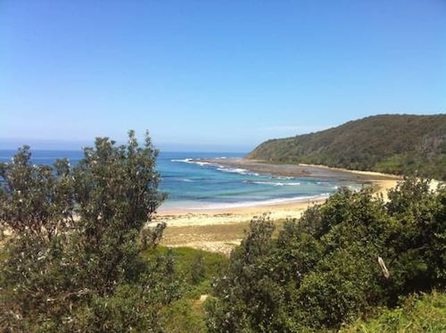 Bateau Beach Bungalow